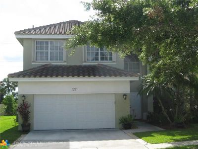 Pembroke Pines Single Family Home For Sale: 1221 NW 184th Ter