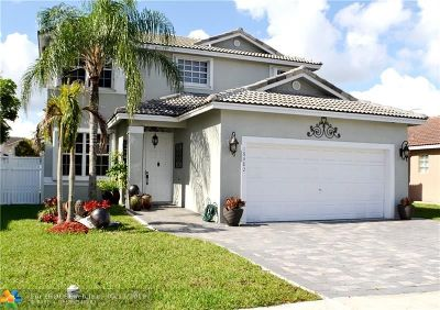 Pembroke Pines Single Family Home For Sale: 16382 NW 19th St