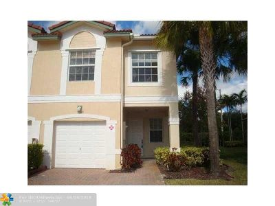 Coral Springs Condo/Townhouse For Sale: 11645 NW 47th Dr #11645