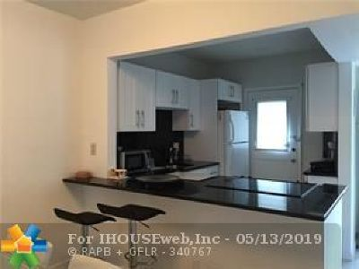 Boca Raton Condo/Townhouse For Sale: 5701 NW 2nd Ave #301