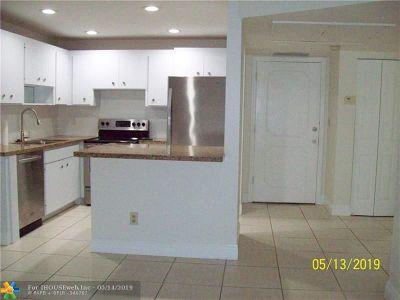 Pompano Beach Condo/Townhouse For Sale: 251 S Cypress Rd #103