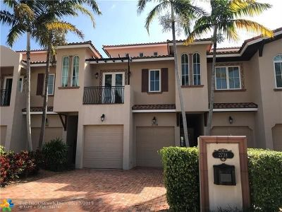 Fort Lauderdale Condo/Townhouse For Sale: 2738 NE 14th St #2738