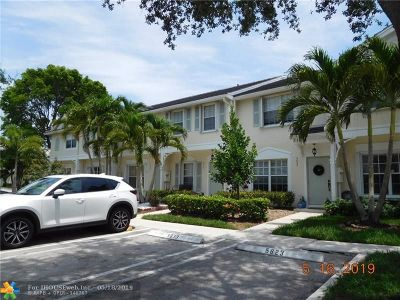 Coral Springs Condo/Townhouse For Sale: 5643 NW 99 Way #5643
