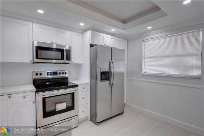 Lauderhill Condo/Townhouse For Sale: 3591 Environ Blvd #A207