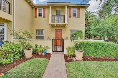 Coconut Creek Condo/Townhouse For Sale: 4601 Mimosa Ter #1303