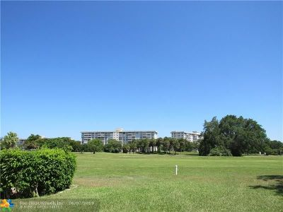 Pompano Beach Condo/Townhouse For Sale: 2850 N Palm Aire Dr #306
