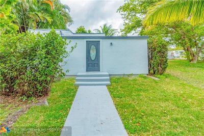 Miami Single Family Home For Sale: 16132 N Miami Ave