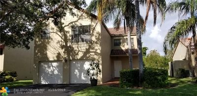 Coral Springs Single Family Home For Sale: 2051 Maplewood Dr