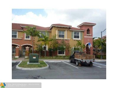 Pembroke Pines Condo/Townhouse For Sale: 14347 SW 11th St #2605