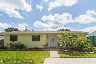 Margate Single Family Home For Sale: 130 SW 69th Ter