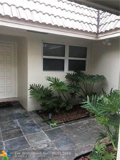 Pompano Beach Condo/Townhouse For Sale: 911 Cypress Grove Dr #911