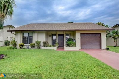 Deerfield Beach Single Family Home For Sale: 2033 SW 17th Cir