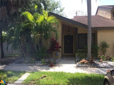 Plantation Condo/Townhouse For Sale: 8719 Cleary Blvd #8719