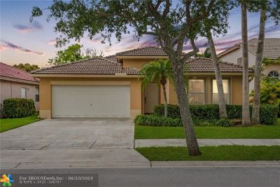 Davie Single Family Home For Sale: 14016 S Cypress Cove Cir