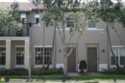 Pembroke Pines Condo/Townhouse For Sale: 618 SW 147th Ave #6-37