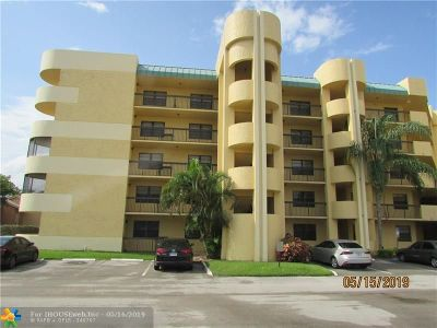 Lauderhill Condo/Townhouse For Sale: 6575 W Oakland Park Blvd #401