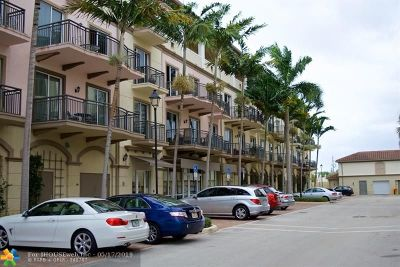 Wilton Manors Condo/Townhouse For Sale: 2631 NE 14th Ave #311
