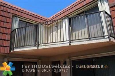 Boca Raton Condo/Townhouse For Sale: 8433 Boca Rio Dr #8433