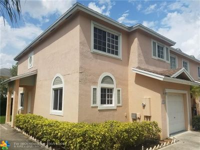 Deerfield Beach Condo/Townhouse For Sale: 4743 SW 14th Ct #4743