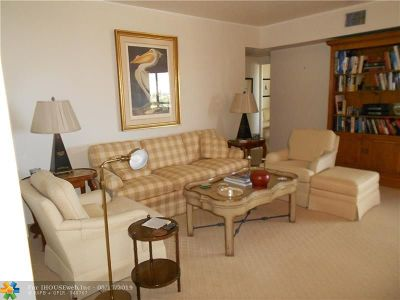 Fort Lauderdale Condo/Townhouse For Sale: 3200 NE 36th St #1712
