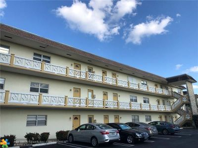Lauderdale Lakes Condo/Townhouse For Sale: 5151 W Oakland Park Blvd #204
