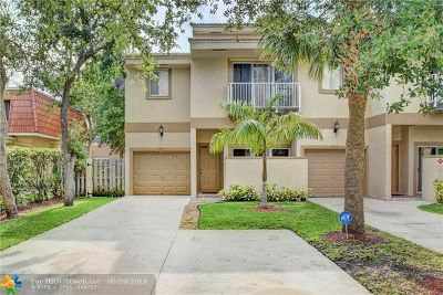 Coral Springs Condo/Townhouse For Sale: 4270 NW 114th Ter #4270
