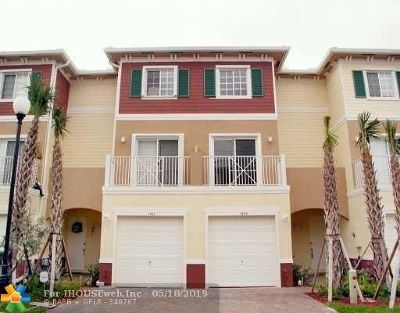 Davie Condo/Townhouse For Sale: 4641 SW 75th Way #4641