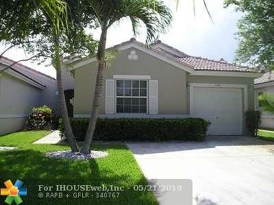 Coconut Creek Single Family Home For Sale: 3594 Coco Lake Dr