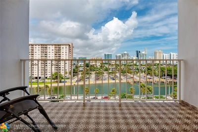Sunny Isles Beach Condo/Townhouse For Sale: 500 Bayview Dr #727