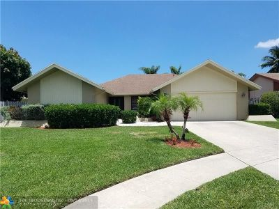 Boca Raton Single Family Home For Sale: 21570 Plum Rd