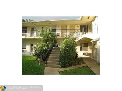 Broward County Condo/Townhouse For Sale: 2621 Grant St #10B