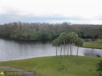 Coconut Creek Condo/Townhouse For Sale: 2900 NW 42nd Ave #504Trade