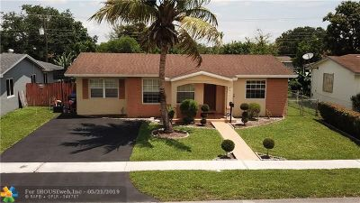 Broward County Single Family Home For Sale: 7511 Raleigh St