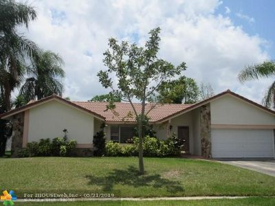 Coral Springs Single Family Home For Sale: 12042 NW 29th St