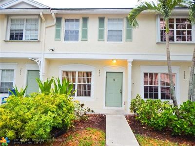 Coral Springs Condo/Townhouse For Sale: 5675 NW 99th Ln #132