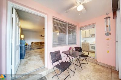 Hallandale Condo/Townhouse For Sale: 160 NE 8th Ave #7B