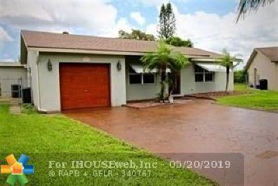 Boca Raton Single Family Home For Sale: 9370 Richmond Cir