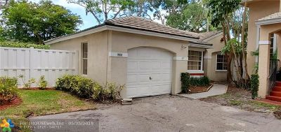 Plantation Single Family Home For Sale: 9806 NW 2nd Ct