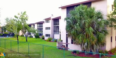 Coral Springs Condo/Townhouse For Sale: 2051 Coral Ridge Dr #N102