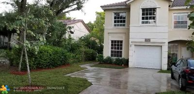 Coral Springs Condo/Townhouse For Sale: 11570 NW 36th St #1