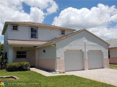 Pembroke Pines Single Family Home For Sale: 20725 NW 3rd St