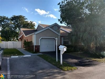 Davie FL Condo/Townhouse For Sale: $274,500