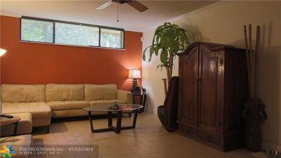 Boca Raton FL Condo/Townhouse For Sale: $230,000