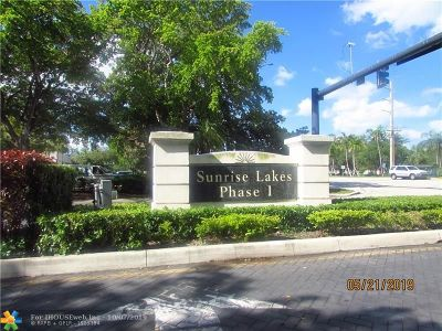 Sunrise Condo/Townhouse For Sale: 7891 Sunrise Lakes Dr #101