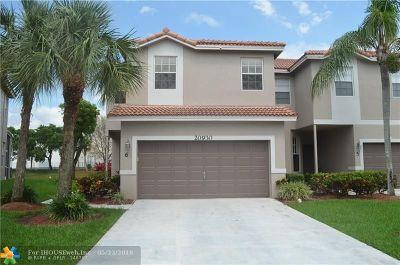 Boca Raton FL Condo/Townhouse For Sale: $309,000