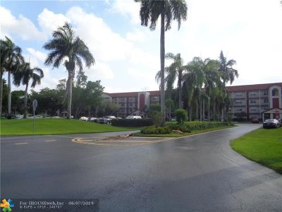 Pembroke Pines Condo/Townhouse For Sale: 901 SW 128th Ter #401A