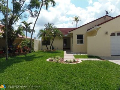 Cooper City Single Family Home For Sale: 2965 Dove Dr
