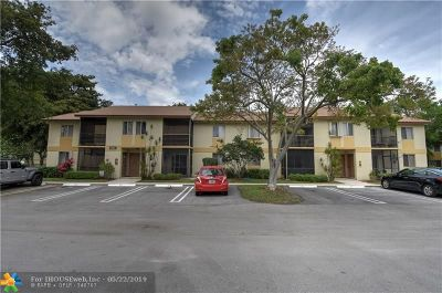 Pompano Beach FL Condo/Townhouse For Sale: $128,000