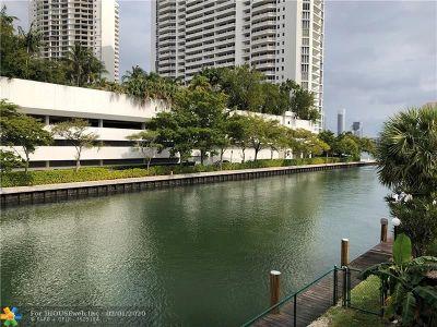North Miami Beach Condo/Townhouse For Sale: 3745 NE 171st St #55
