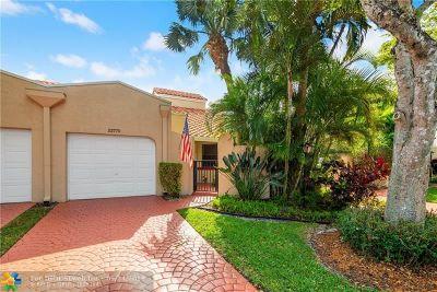 Boca Raton FL Condo/Townhouse For Sale: $339,000